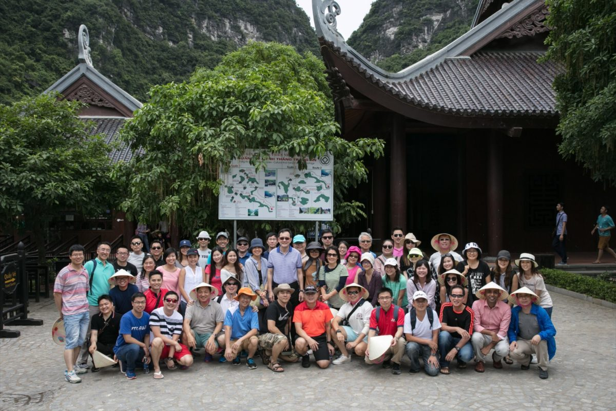 icube events_aps corporate retreat 2017 group sightseeing photo