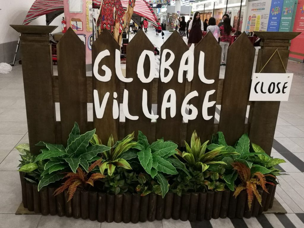 icube events_smu icon global village 2017 signage structure