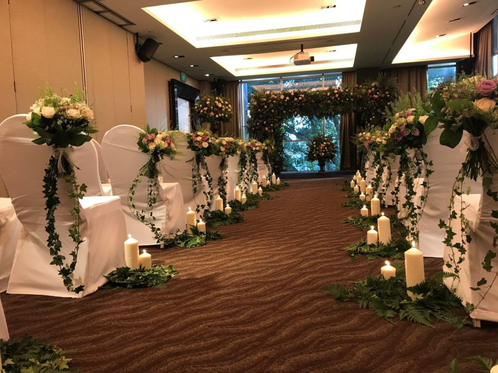 icube events_korean floral masterclass workshop chair and aisle wedding decoration participants hands on