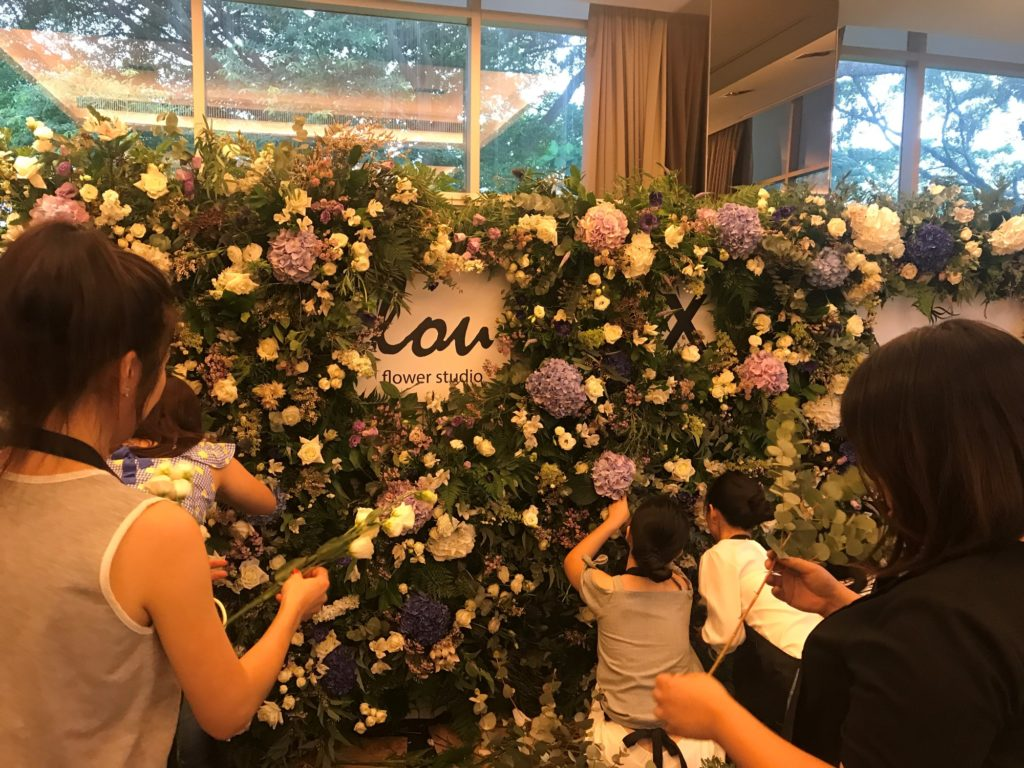 icube events_korean floral masterclass workshop floral wall participants hands on