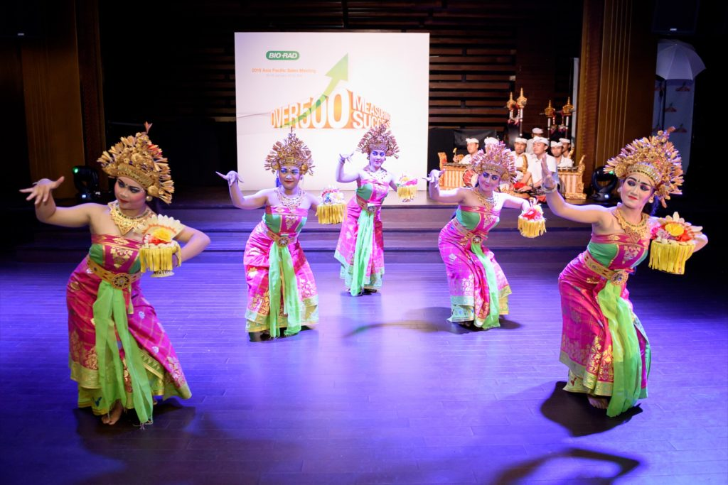 icube events_bio rad asia pacific sales meeting casual welcome dinner bali dancers performance