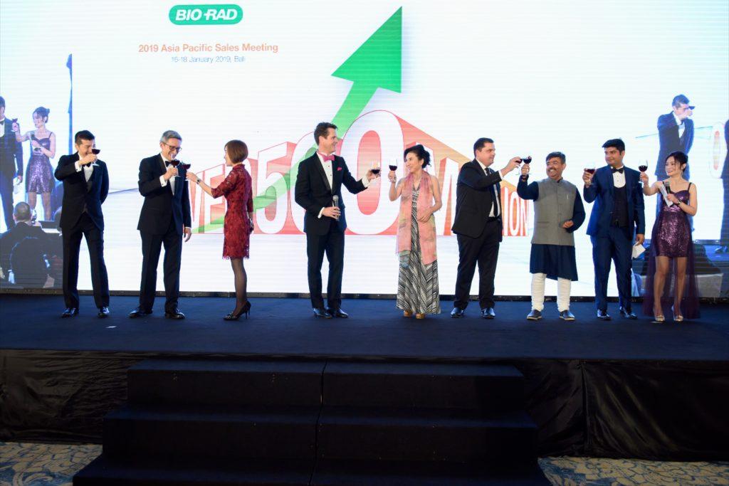icube events_bio rad asia pacific sales meeting gala dinner toast on stage