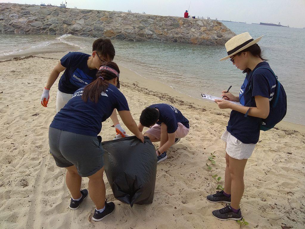 Bank of America (BOA) Coastal Clean-Up_2018_7